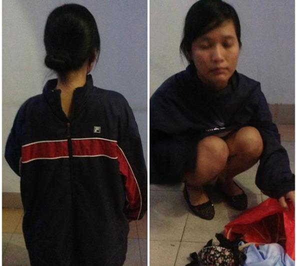 Trong số các blogger bị câu lưu hôm nay 28/12/2012 khi định đến dự phiên xử phúc thẩm ba thành viên CLB Nhà báo Tự do, có cô Nguyễn Hoàng Vi. Không chỉ bị đánh đập, cô Hoàng Vi còn bị an ninh lột quần áo, khám xét thân thể rất thô bạo. Trả lời phỏng vấn RFI tối nay sau khi được thả về, Nguyễn Hoàng Vi kể lại
