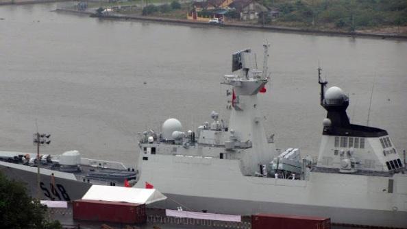 Cận cảnh 1 tàu chiến TQ được lãnh đạo đảng CS mở đường cho xâm nhập Cảng Sài Gòn