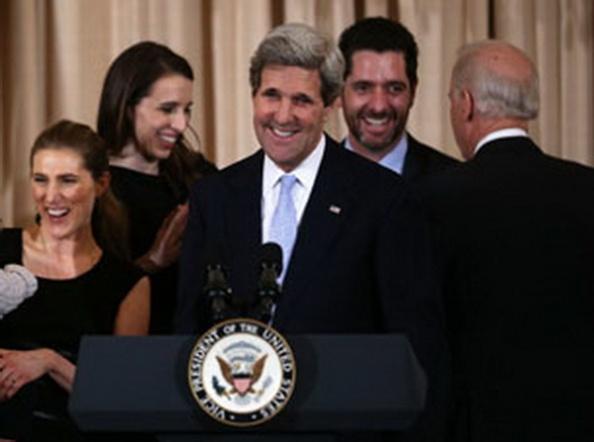 AFP photoNgoại trưởng Mỹ John Kerry tại Bộ Ngoại giao Hoa Kỳ hôm 6/2/2013. Ông đã chính thức tuyên thệ nhậm chức ngày 1 tháng 2 năm 2013.